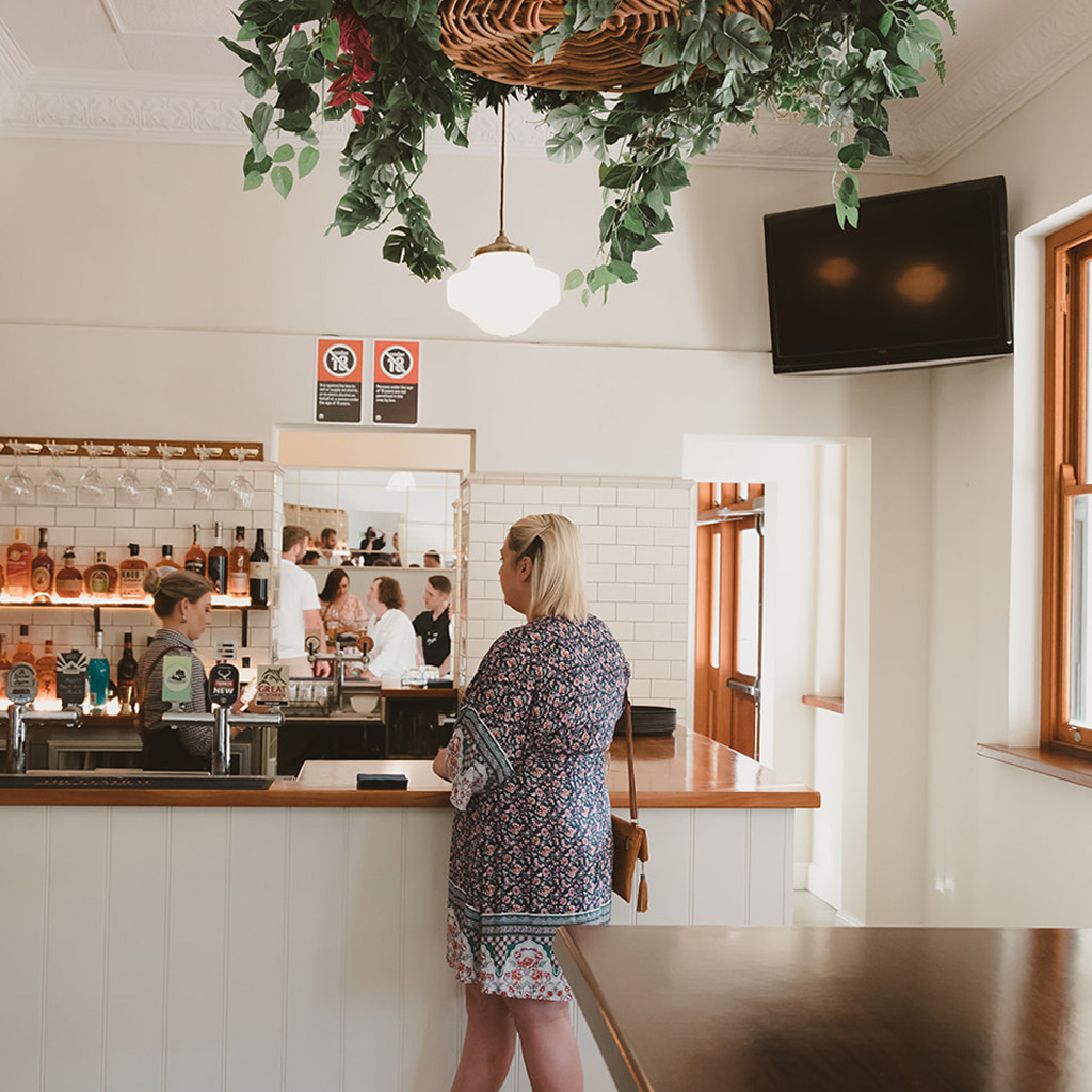 Accommodation in Singleton Hotel Motel 3 - The Central Bar & Kitchen Pub in Singleton Restaurant Dining Food Function Hire Accommodation Pub Meals